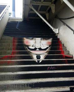 Remember Remember the 5th of November! ⚔️️ - V For Vendetta (2005)