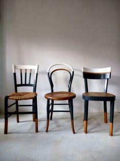 Set of 6 vintage mismatched vintage chairs / Cook Ensemble de 6 chaises anciennes dépareillées vintage / Cuisine / bistrot reloo… Set of 6 old mismatched vintage chairs / Kitchen / reloo bistro … - Refurbished Furniture, Upcycled Furniture, Furniture Projects, Furniture Makeover, Painted Furniture, Home Furniture, Furniture Design, Funky Furniture, Kitchen Chair Makeover