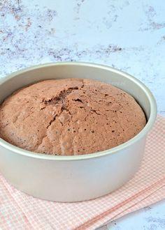 Chocoladebiscuit (Laura's Bakery) Bakery Recipes, Dessert Recipes, Fondant Cakes, Cupcake Cakes, Cake Recept, Bake My Cake, Mousse Dessert, Baking Basics, Angel Food Cake
