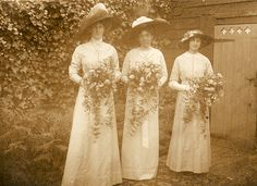 Edwardian bridesmaids in the garden