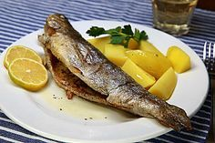 Backofen Forelle Oven trout, a delicious recipe from the fish category. Ratings: Average: Ø Shellfish Recipes, Shrimp Recipes, Salmon Recipes, Meat Recipes, Benefits Of Potatoes, Healthy Protein, Fish And Seafood, Eating Habits, Trout
