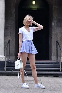 blue white striped shorts, v-neck shirt, white bag, puma basket heart, summer - outfit, fashionblogger, streetstyle, hamburg