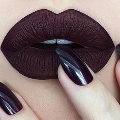 Black cherry pout the talented @depechegurl is wearing Everlasting Liquid Lipstick in Damned kvd kat von d #muse #wherestheblackheartemoji