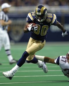 Former Ram Isaac Bruce Going Long – PodiumRunner Dream Team Football, La Rams Football, Nfl Rams, Nfl Football Players, Football Hall Of Fame, Football Memes, College Football, Super Bowl, Giants Players
