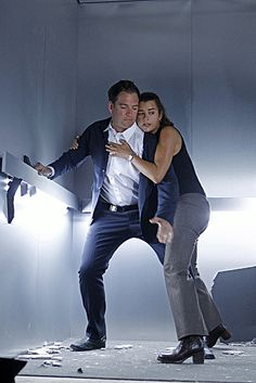 NCIS Tony DiNozzo (played by Michael Weatherly) with Ziva David (played by Cote de Pablo) in the elevator scene. Michael Weatherly, Patrick Dempsey, Naya Rivera, Ellen Pompeo, Disney Channel, Ncis Gibbs Rules, Ncis Rules, Anthony Dinozzo, Ziva And Tony