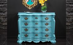 Glamour - We love old furniture Old Furniture, Chest Of Drawers, Dresser, Glamour, Antiques, Home Decor, Products, Antiquities, Powder Room