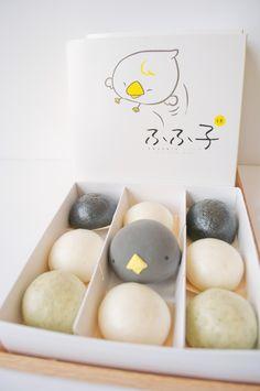 mini-mochi lavabun box Ice Cream Packaging, Food Packaging, Cute Desserts, Asian Desserts, Japanese Sweets, Japanese Food, Cute Food Art, Mochi Ice Cream, Korean Dessert