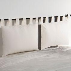 Capa para almofada cabeceira de cama, acabamento com presilhas, fecho. Caraterísticas da capa para cabeceira de cama :- Capa para almofada cabeceira de cama em tecido pré-lavado puro algodão.- Acabamentos com presilhas e com fecho. - Dimensões 50 x 70 cm. - Lavável a 40°.A etiqueta Oeko-Tex® garante que os artigos testados e certificados não apresentam substâncias nocivas que possam prejudicar a saúde.