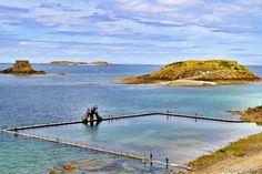 La Piscine Bon Secours, les deux Bé et l'île de Cézembre