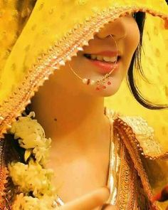 bridal photography poses Best Mehendi Outfits for all brides to be. Indian Bridal Photos, Indian Bridal Outfits, Indian Bridal Fashion, Bride Indian, Indian Weddings, Bridal Dresses, Indian Wedding Couple Photography, Bride Photography, Bride Poses