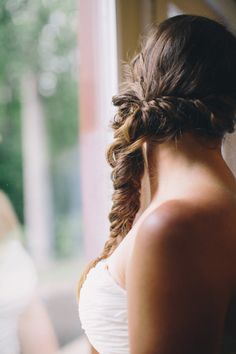 fishtail side braid  Photography By / oliviagriffinphotography.com