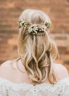 hair inspiration hairstyles Tousled Bridal Hair With Fresh Flowers - North Hidden Barn For A Rustic Wedding With Festoon Lights And A Ceilidh With Groom In Kilt And Images From John Barwood Photography Bridal Half Up Half Down, Wedding Hairstyles Half Up Half Down, Wedding Hair Down, Wedding Updo, Wedding Makeup, Bridal Makeup, Kilt Wedding, Wedding Nail, Wedding Rings