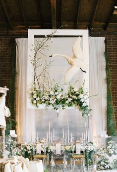 The Cream Event 2015   Photo by The Wedding Artists (not the swan, but... that table) Collective Wedding Stage, Wedding 2015, Wedding Events, Wedding Ceremony, Backdrop Wedding, Wedding Decorations, Table Decorations, Trends 2018, Event Decor