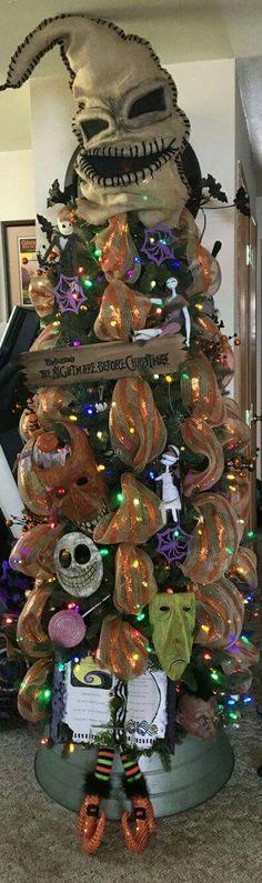 Christmas Tree Ribbon, Halloween Christmas Tree, Burlap Halloween, Colorful Christmas Tree, Nightmare Before Christmas Tree, Xmas Trees, Christmas Tree Toppers, Dark Christmas, Holiday Tree