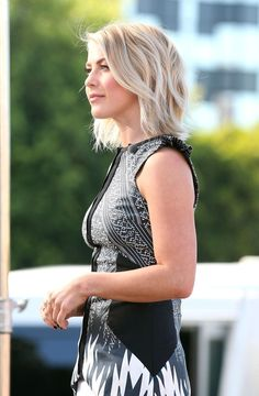 Julianne Hough Lookbook: Julianne Hough wearing Layered Razor Cut (19 of 29). Julianne Hough looked chic and fun with her layered razor cut during her appearance on 'Extra.'