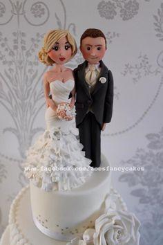 Wedding cake by Zoe's Fancy Cakes - http://cakesdecor.com/cakes/208874-wedding-cake