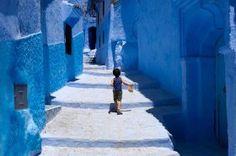 Una medina de Marruecos cubierta de pintura azul