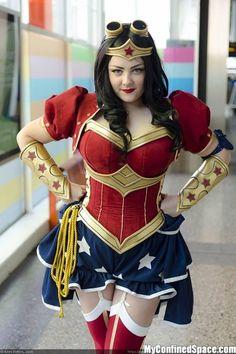 Steampunk Wonder Woman cosplayers wonder woman Sexy powergirl cosplay Comic Books