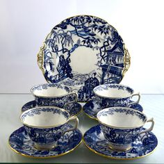 ELEGANT set of four footed cups and saucers in famous Mikado pattern by Royal Crown Derby. These gorgeous teacups are perfect to accompany your afternoon macarons from Faubourg! A 1923 price list for D.R. Dingwall Limited of Winnipeg shows Mikado tea cup sets selling for $2.25 CAD. RCD's new Mikado design costs £88 for a single cup and saucer set ($115USD / $150CAD). In my opinion the vintage Mikado production, all made in England, was superior.