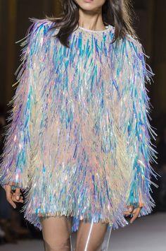 Balmain at Paris Fashion Week Fall 2018 - Details Runway Photos