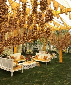 Find 22 most creative and beautiful Mehndi decor ideas. Get ideas for your mehandi day from Chic & Stylish mehndi decoration ideas which are easy to set up. Indian Wedding Theme, Desi Wedding Decor, Wedding Mandap, Indian Wedding Decorations, Wedding Stage, Wedding Reception Decorations, Indian Weddings, Rustic Weddings, Outdoor Weddings