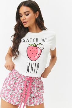 Watch Me Whip Strawberry Graphic Tee & Shorts Pajama Set Beobachten Sie mich Peitsche Strawberry Graphic Tee & Shorts Pyjama Set Erdbeere # kurz Cute Pajama Sets, Cute Pajamas, Cute Comfy Outfits, Casual Outfits, Fashion Outfits, Pijamas Women, Cute Sleepwear, Pajama Outfits, Pajama Shorts
