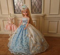 イメージ 1 Pretty Dolls, Cute Dolls, Barbie, Modern Asian, Ball Jointed Dolls, Miniature Dolls, Doll Patterns, Girly Things, Cute Dresses