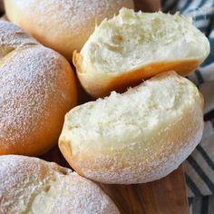 塩・砂糖不要!発酵なし!びっくりふわふわパン by きゃらきゃら | 【Nadia | ナディア】レシピサイト | プロの料理を無料で検索 Baked Goods, Bread Recipes, Hamburger, Baking, Food, Breads, Bread Rolls, Bakken, Backen