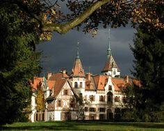 #zámek lešná zlín Protestant Reformation, Renaissance Era, Beautiful Sites, Central Europe, Czech Republic, Prague, Old Town, Medieval, Places To Go