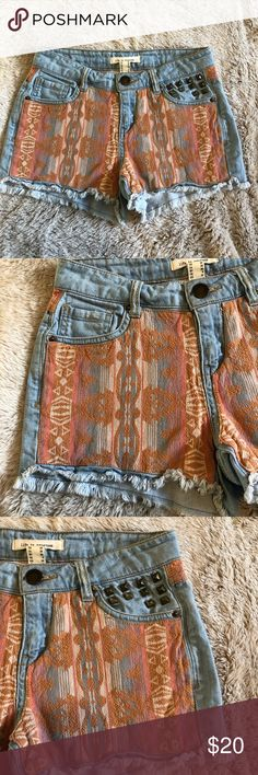Women's Tribal Pattern studded cutoff  Shorts 26 Super cute Life In Progress brand studded cutoff shorts, these shorts are women's size 26. In perfect condition and have a super cute tribal orange and blue pattern on the front. Life in Progress Shorts Jean Shorts