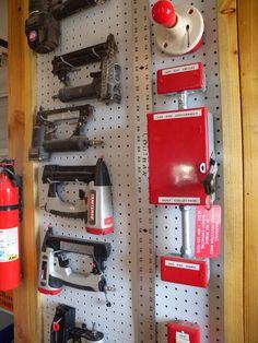 Garage Tool Storage, Gun Storage, Shop Storage, Pegboard Organization, Workshop Organization, Storage Organizers, Workshop Ideas, Mobile Workbench, Nail Gun