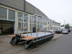 catamaran with aluminum frame