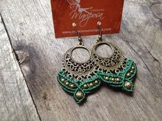 Hippie-chic green Macrame earrings - pendants boho bohemian gitan hippie chic gypsy woodland knotted micromacrame fairy