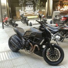 Ducati Diavel, Microcentro, CABA.