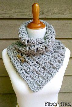 Crochet - The Margaret Button Cowl Pattern from Fiber Flux. Crochet Winter, Knit Or Crochet, Crochet Scarves, Crochet Shawl, Crochet Clothes, Crochet Stitches, Crochet Patterns, Scarf Patterns, Stitch Patterns