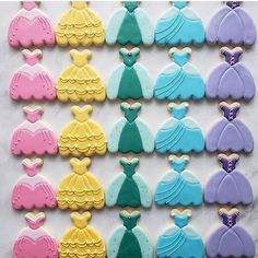 Choose your princess 👑😍 Very royal cookies by 💖💛💚💙💜 - - - - - Disney Princess Cookies, Disney Cookies, Disney Princess Birthday, Frozen Cookies, Iced Cookies, Cupcake Cookies, Sugar Cookies, Princess Tea Party, Princess Theme