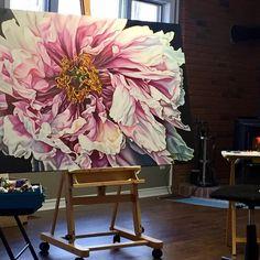 "345 Likes, 11 Comments - Irina Gretchanaia (@igretcha) on Instagram: ""Studio charm. #contrmporaryart #canadianartist #irinagretchanaia #artstudio #floral #peony…"""