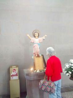 Imagen del Divino Niño Jesus de Colombia en la Iglesia de San Jose en la Ciudad de México. Me la envió Gonzalo, mi cuñado.