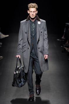 Menswear by Vivienne Westwood Boy Fashion, Fashion Show, Mens Fashion, Fashion Design, Sharp Dressed Man, Well Dressed Men, Gq, Esquire, Vivienne Westwood Man