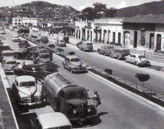 Caracas de Antaños, Año 1954 Avenida Sucre ya era muy transitada , esta avenida en el Oeste de Caracas.-