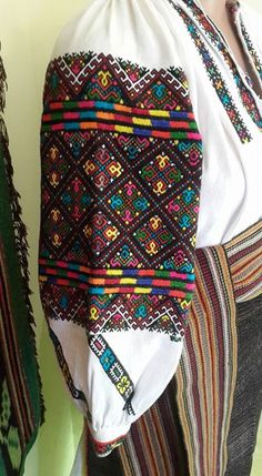 Ukraine, from Iryna Geometric Embroidery, Embroidery Designs, Balochi Dress, Kutch Work, Embroidered Blouse, Ukraine, Cross Stitch Patterns, Purses And Bags, Needlework