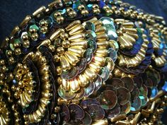 Beading Tutorial. Fish scales. Lots of beading/costuming tutorials on Naima's blog.
