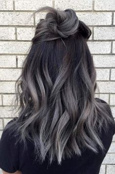 Best ombre hair looks that diversify common brown and blonde ombre hair 1 Hair Color Dark, Cool Hair Color, Grey Hair Dark Roots, Trendy Hair Colors, Different Hair Colors, Hipster Hair Color, Metallic Hair Color, Cute Hair Colors, Fall Hair Colors