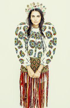 Ovidiu Buta | Fashion Stylist - FASHION Fashion Stylist, Stylists, Blouse, Folk Art, Addiction, Fox, Queen, Design, Google