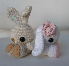 I think I will have to learn how to do amigurumi. I am so in love with these bunnies! So in love with them that I'm willing to try my hand at crochet!!!