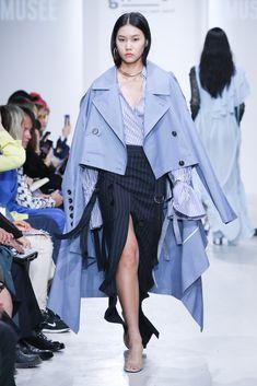 Seoul Fashion, Fashion Art, Korean Fashion, Spring Fashion, Fashion Show, Fashion Outfits, Womens Fashion, Fashion Design, Fashion Trends