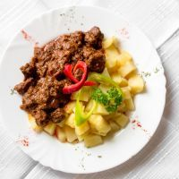 Overnight Savory Slow Cooker Beef and Potatoes