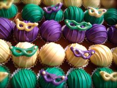 Ok, a friend of mine just shared on FB.  King Cake Cake Balls.  YUM!!!!!!