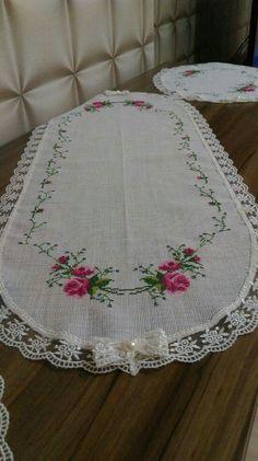 Cross Stitch Designs, Cross Stitch Patterns, Embroidery Patterns, Hand Embroidery, Cross Stitch Flowers, Flower Crafts, Elsa, Diy And Crafts, Deco