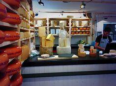 Madrid huele a queso. Quesería Conde Duque.